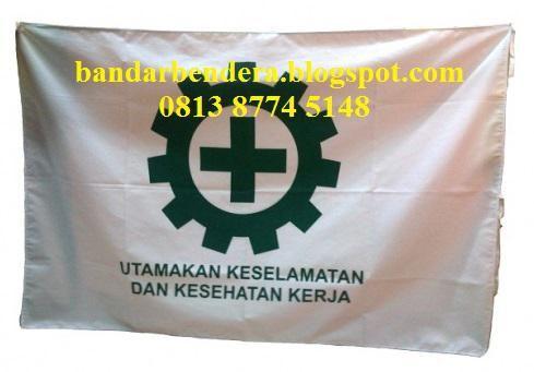 Bendera K3 Cocok untuk Proyek,Pabrik,Kantor Dll Detail deskripsi: Bahan Satin ukuran 135 x 90 cm (standar disnaker)