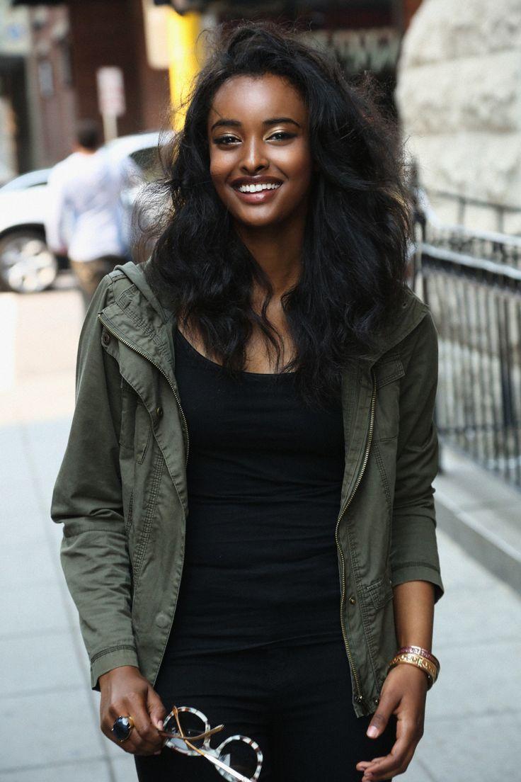 Dark skinned women are beautiful : Photo