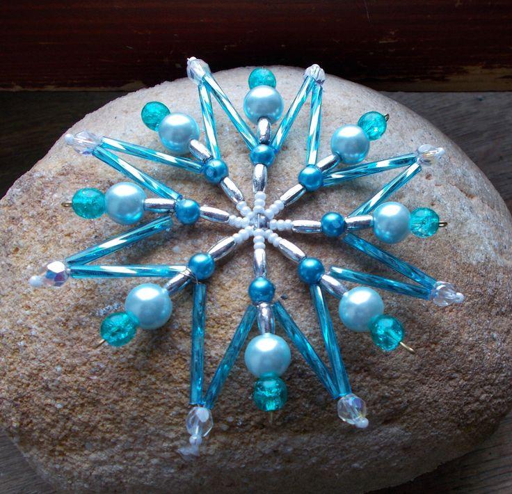Vánoční korálková hvězda - bílo-tyrkys