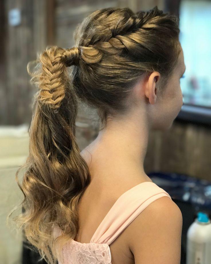 Trendy pony💕💕 Jr bridesmaids and flower girls style💫  #desithediva #houstonweddings  #modernsalon #haircolor #beautiful #fashion #style #HashmeApp #longhair #americansalon #haircut #hairstyles #imallaboutdahair #blonde #love #hairpainting #balayage #beautylaunchpad #ombre #color #stylist  #btcpics #mermaidhair #hairbrained #highlights #blondehair
