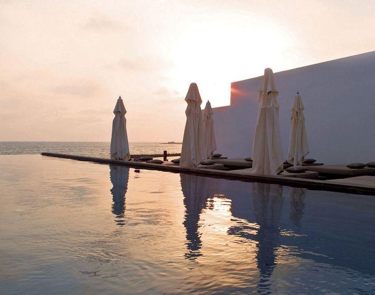 Spa Chypre http://www.vogue.fr/voyages/hot-spots/diaporama/10-destinations-detox/15637/image/870911#!spa-chypre-hotel-detox-destination-almyra-paphos
