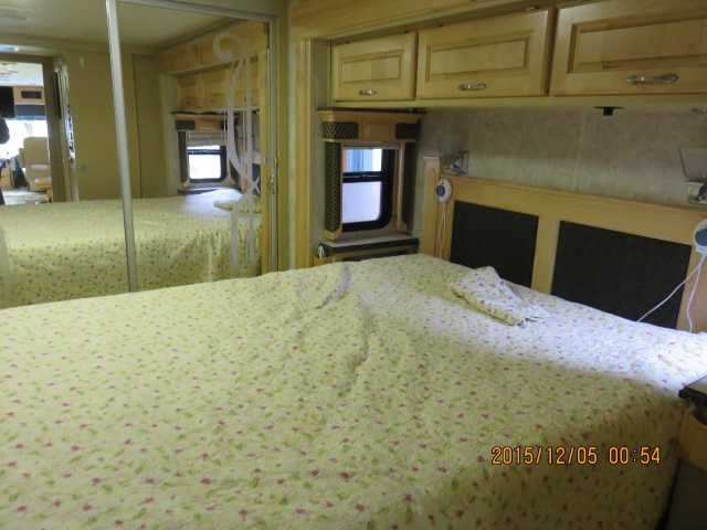 """2005 Used Holiday Rambler Endeavor 40PDQ Class A in California CA.Recreational Vehicle, rv, 2005 Holiday Rambler Endeavor 40PDQ, 4 slide coach with 400 cummins with many extras including : 40"""" tv up front, samsung blue ray dvd player with surround sound, silver leaf system, auto generator start, two 140 watt solar panels, new direct tv HD satellite dish, new sleep number bed, Also has steering stabilizer and Source engineering anti sway bars with custom shocks and Michelin tires front and…"""