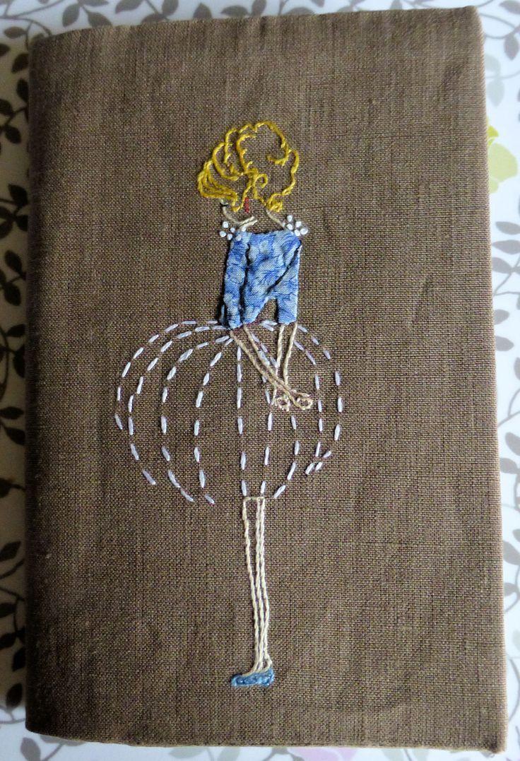 *Du dessin de ma fille http://melanie-brichard.blogspot.fr/2011/01/blue-ballerina.html à la broderie pour Noël 2015*