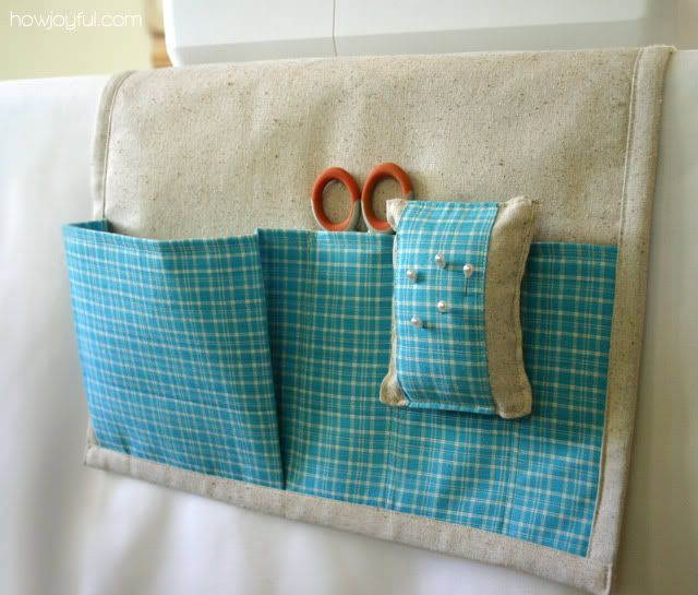 Sewing caddy tutorial. I lov ethe detachable pincushion part as I keep running back and forth to my ironing board.