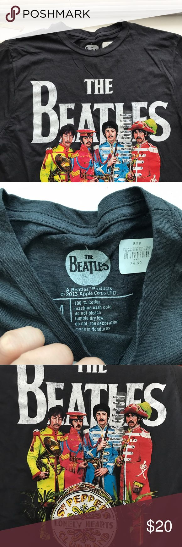 Men's Apple Corps LTD. The Beatles T-shirt NWT!   100% Cotton   No trading ✖️ 10% off 2 items or more bundles ✔️ Prices are VERY negotiable 💲 Measurements & additional pictures will be provided upon request 📷 Same/next day shipping 📦 Pet friendly home 🐶 Apple Corps LTD.  Shirts Tees - Short Sleeve