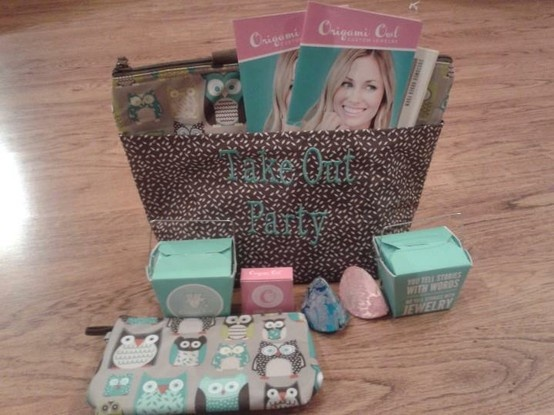 What a great idea from one of our other Designers!  An Origami Owl Custom Jewelry Take Out Party.  Fun on the run!! Take the party with you wherever you go!! Our catalogs aka Take Out Menus fit inside the front pocket; order forms are inside of the tote; sample lockets with charms & dangles are inside of the take out box & customer payments are tucked neatly inside of a zipper pouch :) Follow CINDY CAZARES on FB! https://www.facebook.com/hellociindycharms