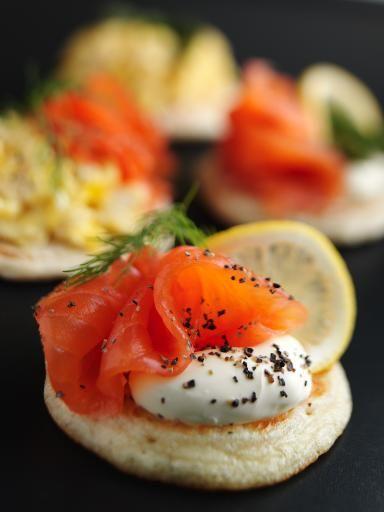 Blinis au saumon fumé et mascarpone - Recette