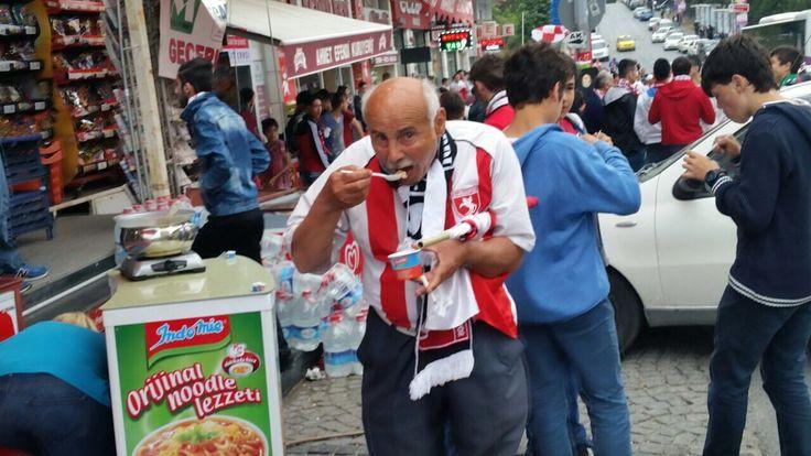 #senyemeğidüşünme   #şimdiye   #noodle   #noodles   #cupnoodle   #loveindomie   #indomie   #IndomieTürkiye