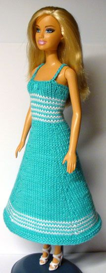 http://www.stickatillbarbie.se/Sida%201-50%20.htm Lots of free patterns in lots of languages.