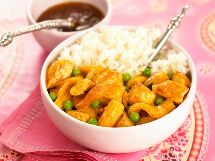 Easy to make kids chicken curry recipe. Our flavoursome dish is easy to prepare and is great with fluffy rice and poppadoms. Your kids will love it