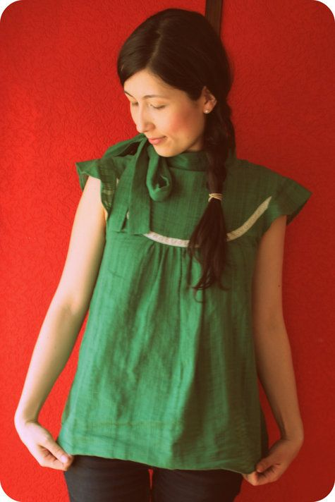 love this version of the Wenlan Blouse pattern, from Twinkle Sews. this pattern looks nice without the collar, too.