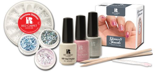 Το Gems & Jewels Kit περιέχει μία ολοκληρωμένη σειρά προϊόντων και αξεσουάρ. Απευθύνεται στις fun των κοσμημάτων και των στρας στα νύχια.    Τιμή 39,50€
