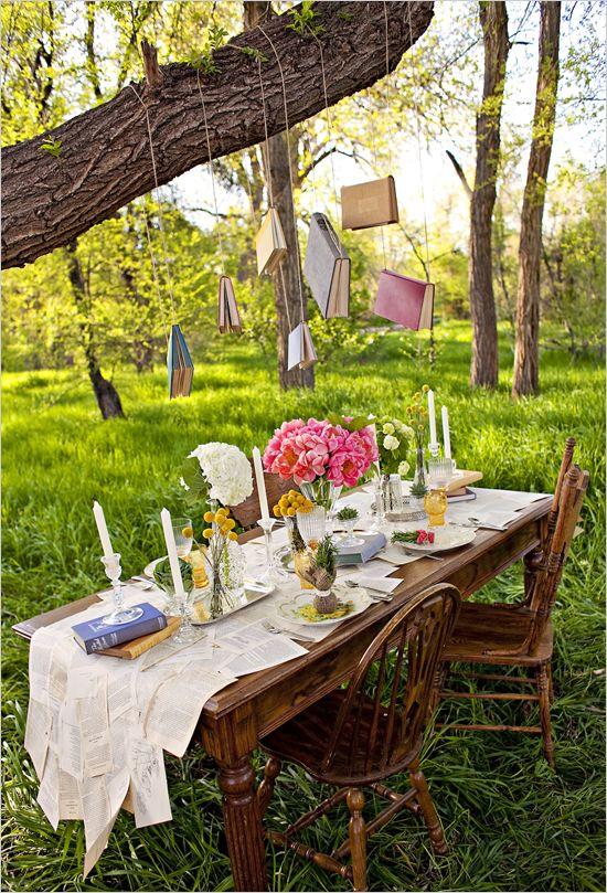 Outdoor wedding. Table