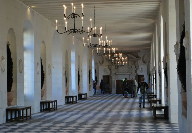 The main gallery at Chenonceau was built by Catherine de Medici, who hosted parties here including one for the coronation of her son.  The first fireworks display in France was held at Chenonceau to commemorate the ascension of Francois I.