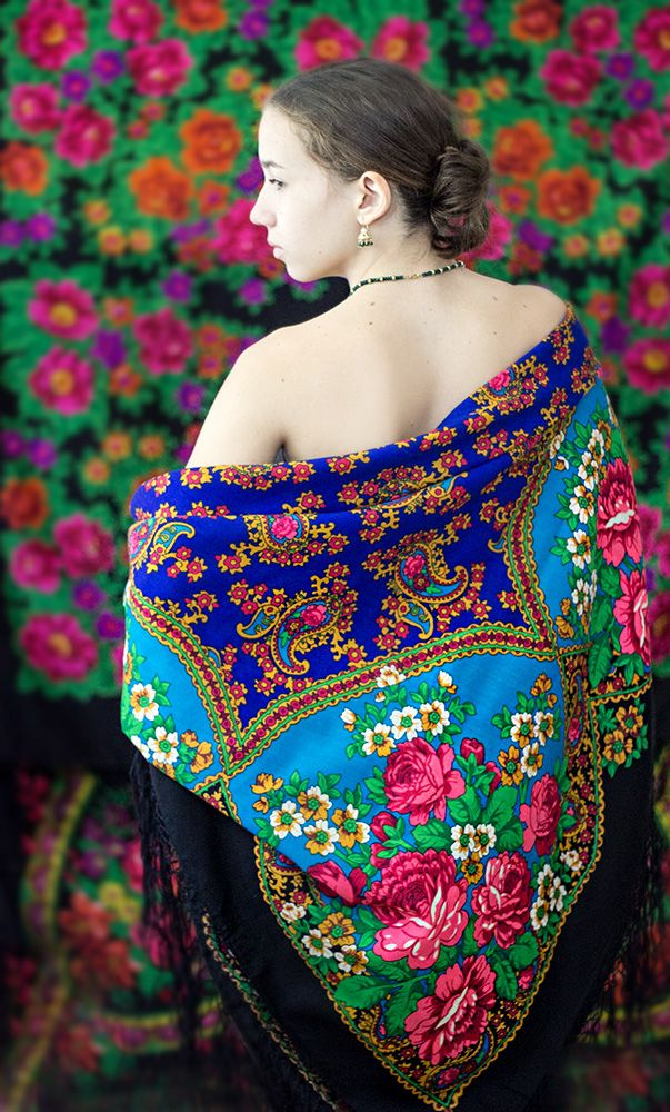 This is a fantastically rare and collectable Russian shawl made in Pavlovo Posad, with pink roses and paisley on brilliant cobalt blue and turquoise. The shawl was stored in someone's chest in Bukhara as part of someone's dowry. Russian shawls for a long time have been part of a costume of Uzbek, Turkmen, Tajik and Kyrgyz women, representing the beautiful mix of cultures in Central Asia, along the Great Silk Road. The girl is an Uzbek/Russian mix. #mulberrywhisper