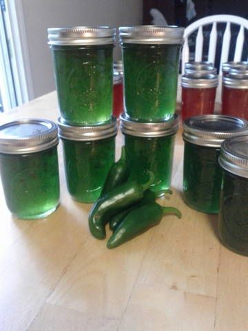 Excellent recipe for Jalapeno Jelly!  Great for gifts!