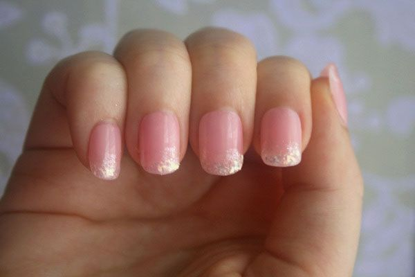 Google Image Result for http://www.bridalguide.com/sites/default/files/blog-images/the-budget-guru/diy-nail-art/diy-nail-3.jpg