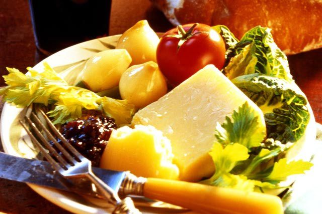 What Is in a Ploughman's Lunch?