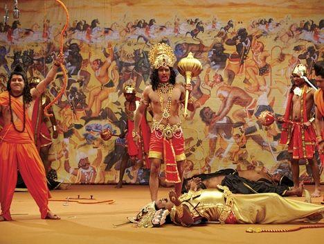 It's not 'Gali Gali Chor Hai', it's Gali Gali Bor Hai  ★1/2  Starring: Akshaye Khanna, Shriya Saran, Mugdha Godse, Annu Kapoor, Satish Kaushik, Akhilendra Mishra and Vijay Raaz