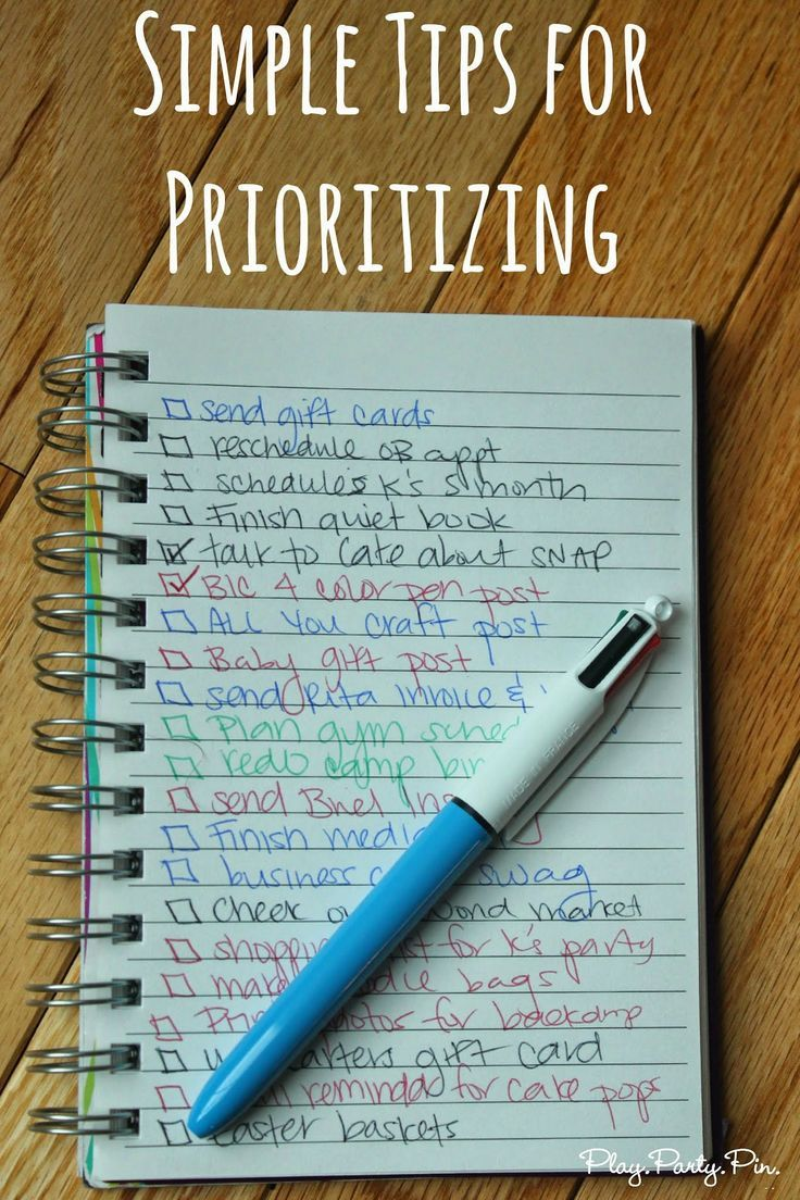 Love this idea for prioritizing your to-do list with different colors from playpartypin.com #prioritizing #organizing #ip