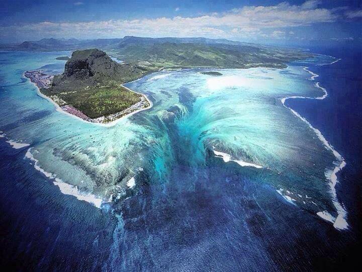 The underwater waterfall of Mauritius Island