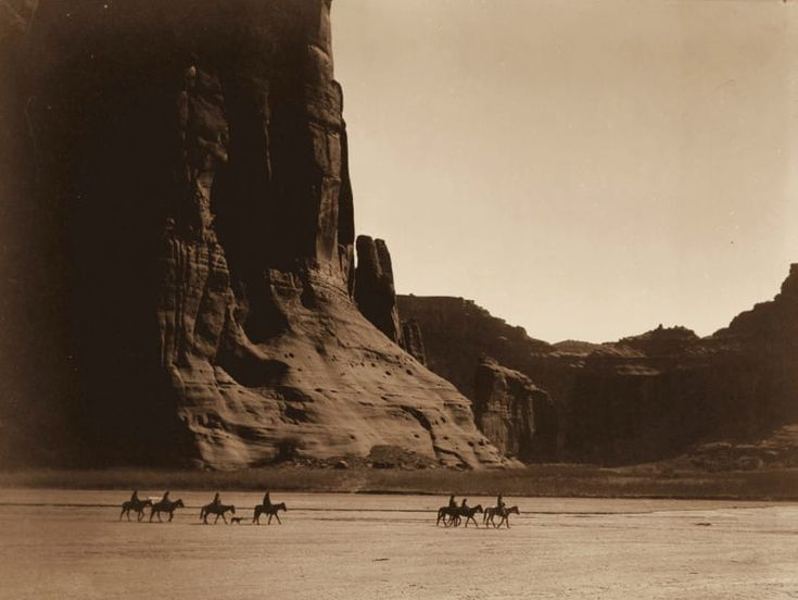 Native American photographs Edward S. Curtis/Library of Congress Group of men of the Navajo tribe in the Canyon de Chelly, Arizona, in 1904.