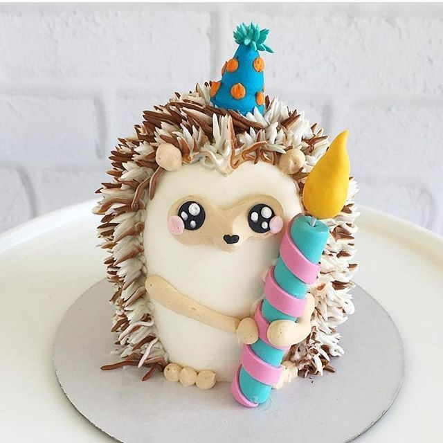 Oh my goodness!! This cake is the cutest thing ever! by @_leslie_vigil_ #cake #decorative #cakes