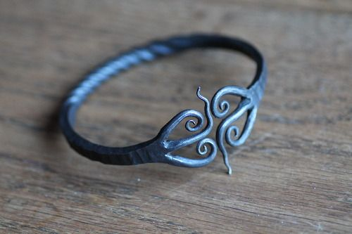 Ring of the wood elves. I want to try making one of these.