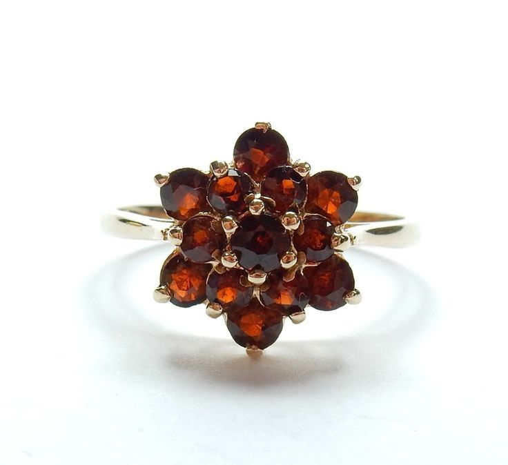 Vintage London 1976 9 Carat Yellow Gold Garnet Daisy Flower Cluster Ring 2.6g #Cluster