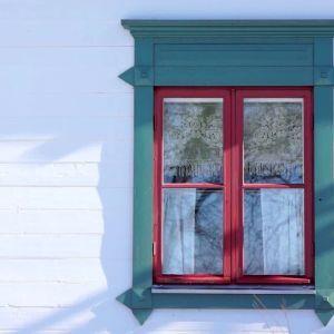 Ta väl vara på fönstren i gamla hus.