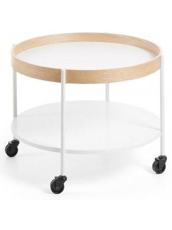 Affascinante stile nordico per questo tavolino con ruote. Design pulito che dona raffinatezza ai vostri ambienti, oltre alla praticità di poterlo spopstare comodamente all'occorrenza. Realizzato con struttura in legno naturale e doppio piano in legno laccato bianco.