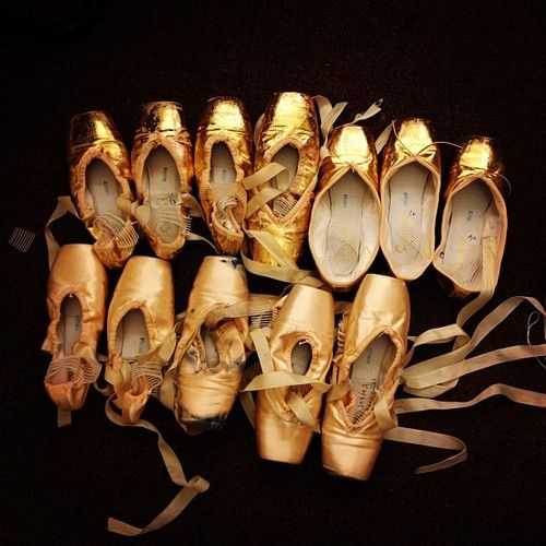 Snapped: all that glitters… must be Cinderella pointe shoes! (Photo by Maria Kochetkova)
