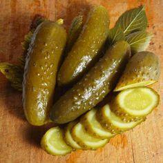 Как закрывать хрустящие огурчики на зиму - простой и вкусный рецепт