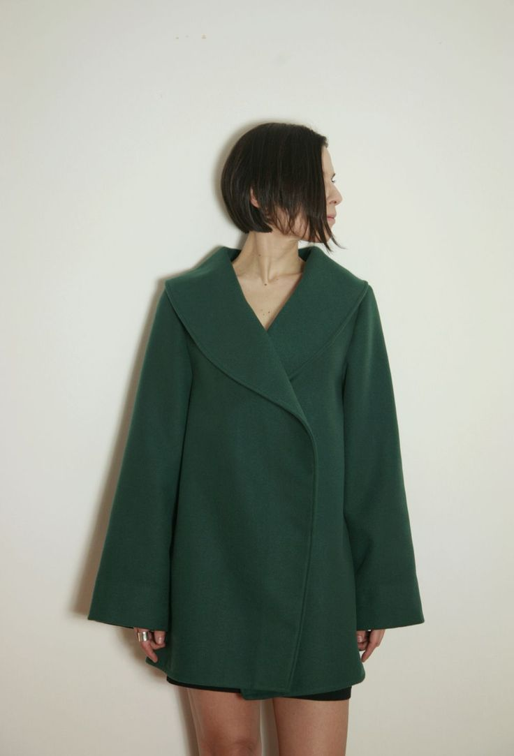 MID-LENGTH GREEN A-LINE JACKET  tsouknida.eu