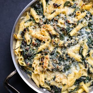 "Healthy Mac and Cheese with ""Creamed"" Spinach (Gluten-Free)."