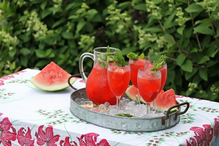 Rattlebridge Farm: Garden Week Wrap-Up with Minty Watermelon Lemonade recipe