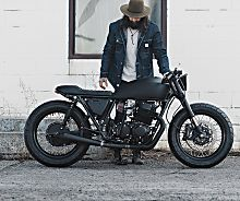 Ultra Noir: A blacker than black Honda CB750