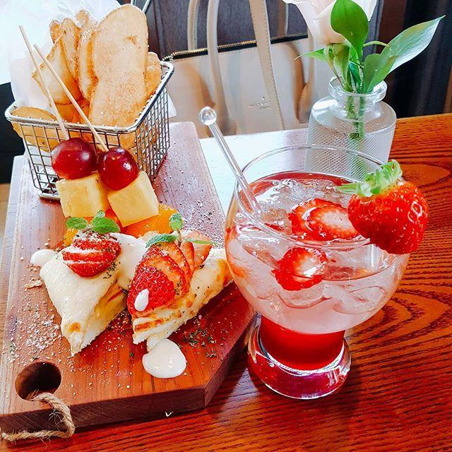 #딸기 와 함께 #Cheers 🍓🍷🍸🍹🍻 #이비스스타일강남 에서 선보이는   #베리스위트나잇 #해피아워 와 함께  달콤한 시간 보내세요 🍓❤💚 #딸기 #딸기🍓 #르바 #베리스위트나잇 #BerrySweetNight #해피아워 #와인 #칵테일 #데킬라 #생맥주 #크로크무슈