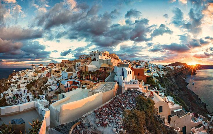 #Santorini is a beautiful island in #Greece with beautiful beaches, buildings and people! Would love to visit here one day!
