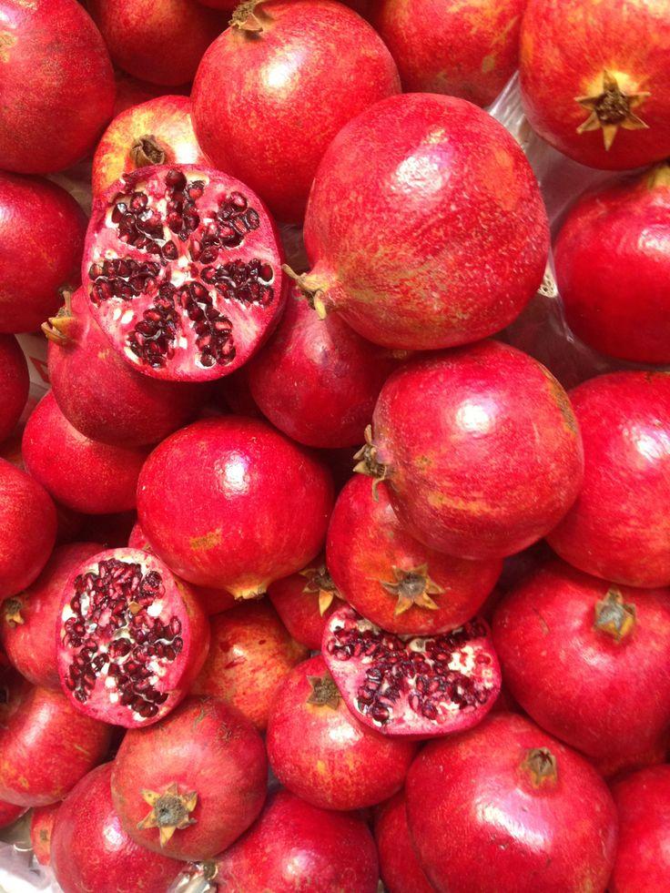 red, pomegrenade, fruits, photo by massimo polvara