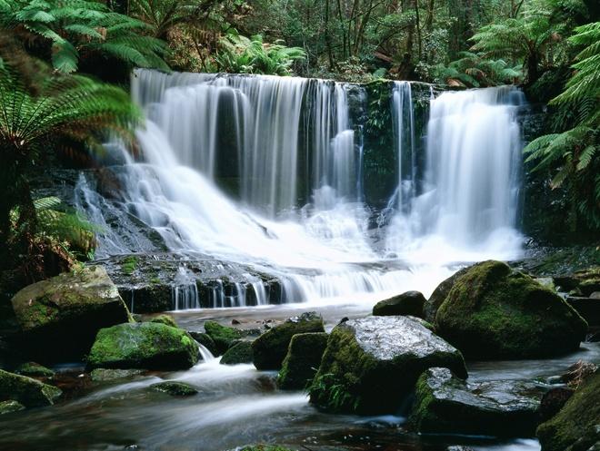 #Tasmania - Horseshoe Falls #travel #Australia