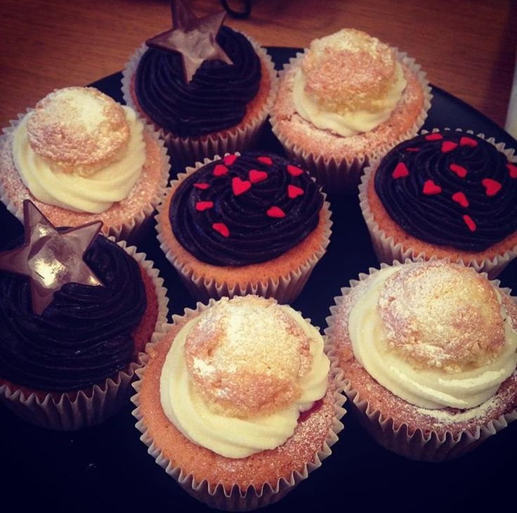 Cupcakes - Victoria sponge & chocolate frosting with heart sprinkles