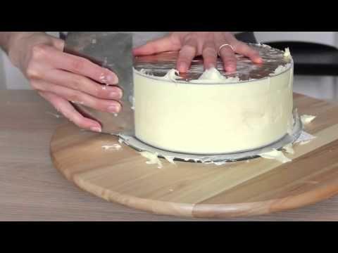 Technique du lissage parfait à la ganache au chocolat blanc avec angles droits