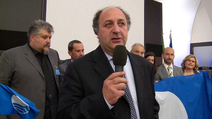 Dichiarazione del Presidente di FEE Italia in occasione della consegna ufficiale di Bandiera Blu 2014. SEGUITECI SU: http://www.bandierablu.org http://www.feeitalia.org https://www.facebook.com/pages/Bandie... https://plus.google.com/1093601723770... https://www.facebook.com/groups/18387... https://www.linkedin.com/company/band... https://twitter.com/NewsBandieraBlu