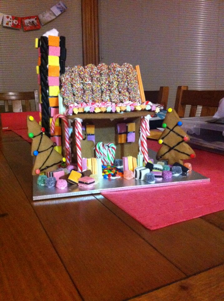 My outback shack gingerbread house. Aussie style! #aussiechristmas #gingerbreadhouse #gingerbread #christmas
