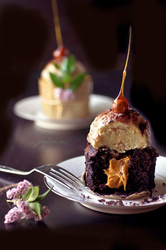 Vegan Chocolate Cupcakes with Vegan Banana Ice Cream