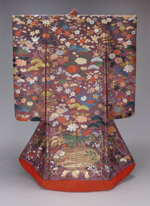 The uchikake originated as a thick winter kimono. Today, it is the most formal of women's kimono, the wedding kimono. Uchikake, Taisho Era