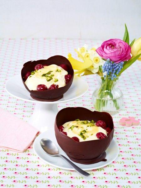Eierlikör-Mascarpone-Creme mit Kirschen