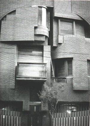 Casa Serrano 2378 -1987/1994- Pablo Beitía - .        (...)    Serrano 2378 fué…