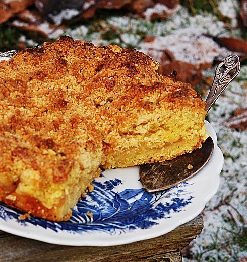 Вот вам яблочный пирог нашего местного и знаменитого повара Lise Finckenhagen. Мне лично она очень нравится – несложные продуманные рецепты, никаких выдуманных и…